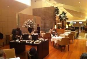 Qatar-Airways-Business-Class-Lounge-7
